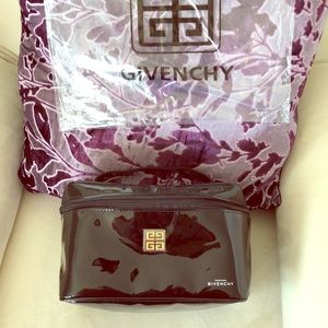 Make up bag. GIVENCHY PARFUMS black bag. Shiny.